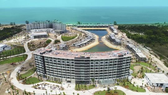 """Mua """"1 sở hữu 2"""" condotel dự án Movenpick Resort Waverly Phú Quốc - Ảnh 2."""