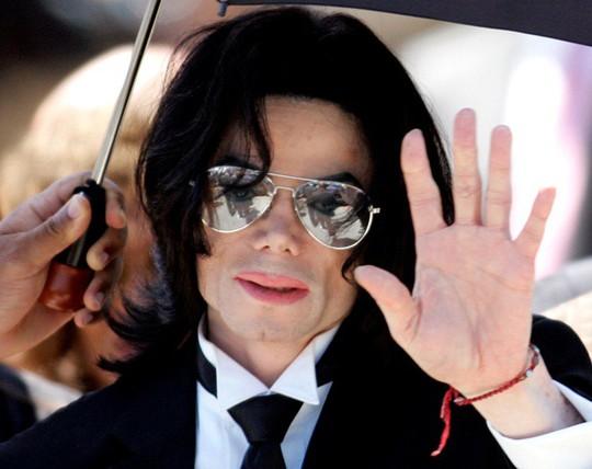 Bảo vệ hình ảnh Michael Jackson, khởi kiện đòi... 1USD - Ảnh 2.