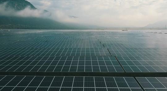 Khánh thành nhà máy điện mặt trời 6.000 tỷ đồng ở vùng Bảy Núi