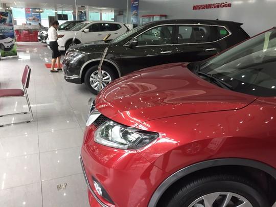 Hãng ôtô tiếp tục giảm giá đẩy hàng trước tháng 7 âm lịch