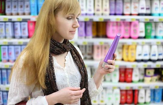 8 cách đơn giản chống rụng tóc do rối loạn tuyến giáp - Ảnh 2.