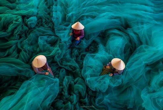 Phong cảnh, con người khắp 3 miền đất Việt đẹp sững sờ qua ảnh - Ảnh 12.