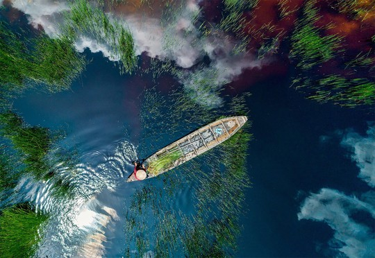 Phong cảnh, con người khắp 3 miền đất Việt đẹp sững sờ qua ảnh - Ảnh 32.
