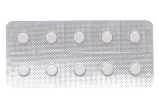 Một loại thuốc kháng viêm thông dụng Alphachymotrypsine 4200 bị đình chỉ lưu hành - Ảnh 1.