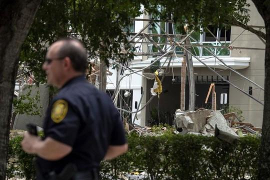Mỹ: Nổ kinh hoàng tại trung tâm thương mại, 21 người bị thương - Ảnh 4.