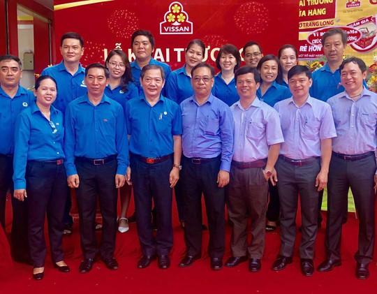 Khai trương cửa hàng Công đoàn đầu tiên của VISSAN - Ảnh 2.