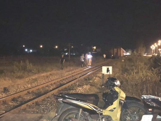 Quảng Nam: Nghi nam thanh niên nằm giữa đường ray tự tử - Ảnh 2.