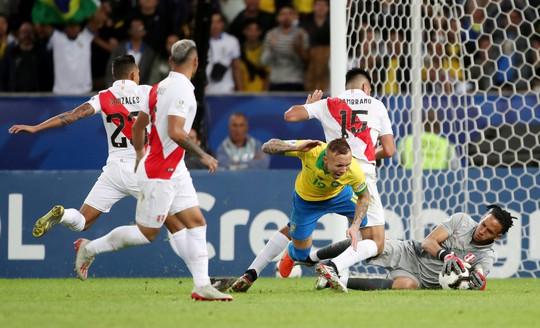 Thẻ đỏ, phạt đền, Brazil giành hết vinh quang Copa America - Ảnh 12.