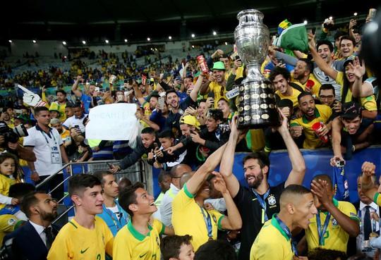 Thẻ đỏ, phạt đền, Brazil giành hết vinh quang Copa America - Ảnh 16.