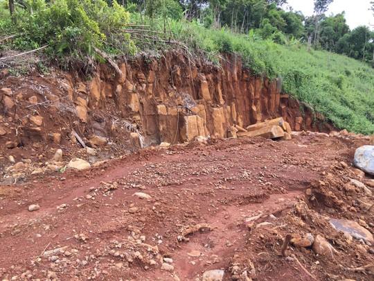 Điều tra vụ khai thác khoáng sản trong rừng do quân sự quản lý - Ảnh 2.