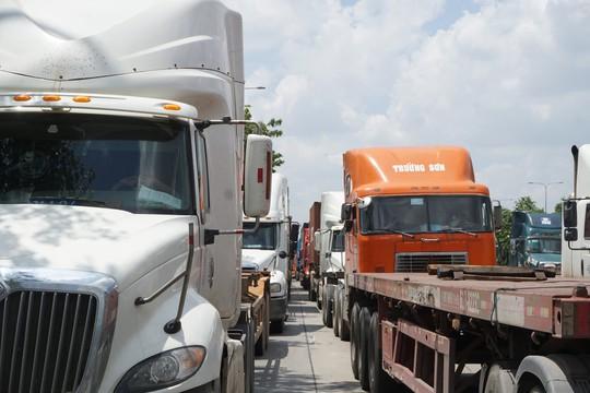 Kinh hoàng kẹt xe ở quận 2 và 9 chỉ vì 1 sự cố trên cầu Phú Mỹ - Ảnh 5.