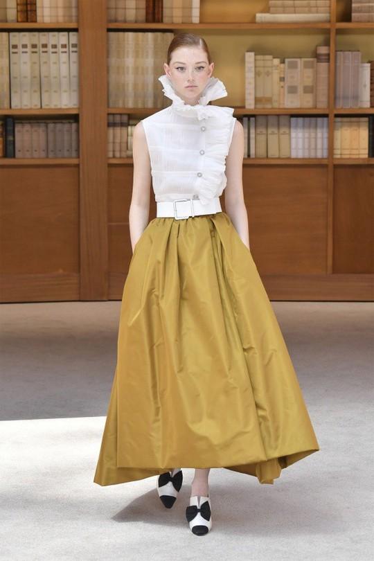 Những bộ đầm được làng mốt khen ngợi ở Tuần thời trang Paris - Ảnh 12.