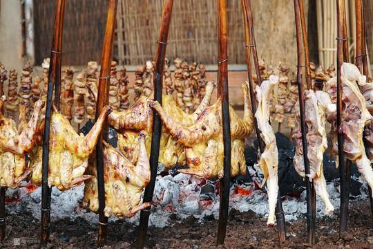 Gà nướng, cơm lam - đặc sản dân dã của núi rừng Tây Nguyên - Ảnh 4.