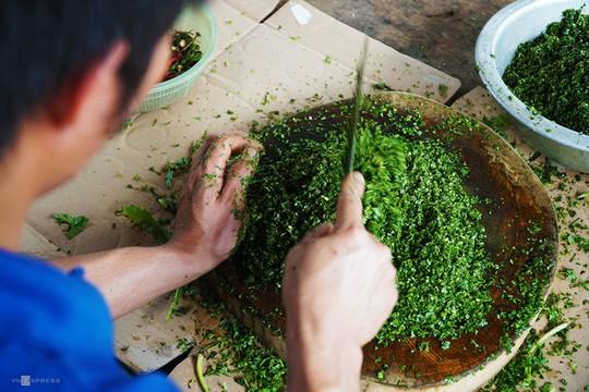 Gà nướng, cơm lam - đặc sản dân dã của núi rừng Tây Nguyên - Ảnh 7.