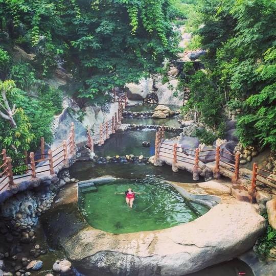 Tắm tiên thả ga tại suối khoáng nóng đẹp quên lối về ở Đà Nẵng - Ảnh 10.