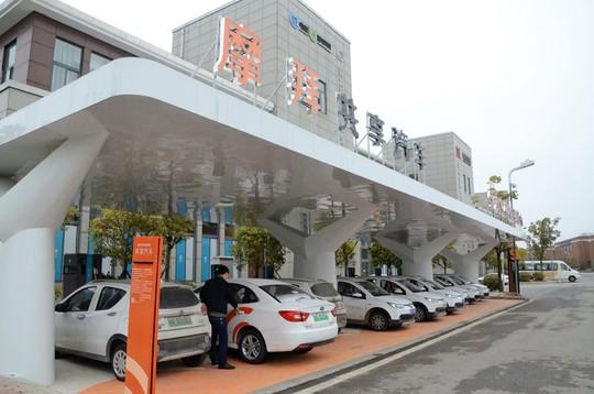 Sau xe đạp, hàng trăm ngàn ôtô bị vứt bỏ tại Trung Quốc - Ảnh 1.