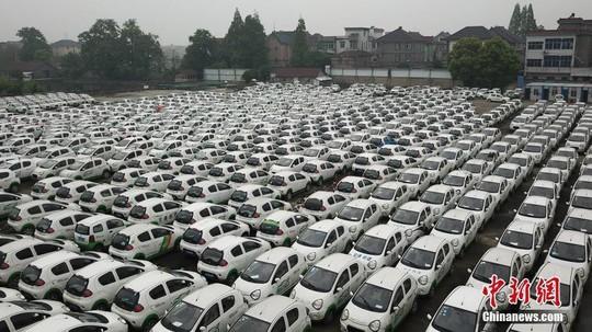 Sau xe đạp, hàng trăm ngàn ôtô bị vứt bỏ tại Trung Quốc - Ảnh 3.