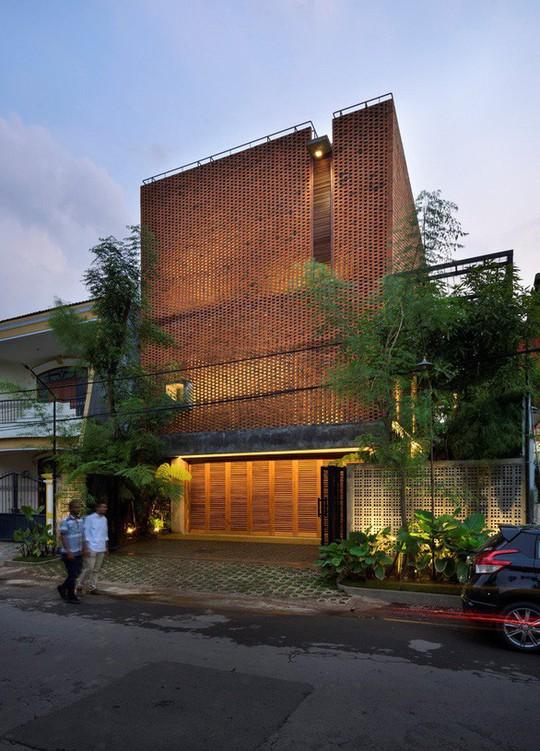 Ngôi nhà gạch xếp truyền thống mà phá cách ở Indonesia - Ảnh 8.