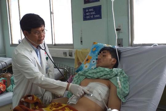 Tai nạn khó tin, nuốt tăm không biết dẫn đến thủng tim - Ảnh 1.