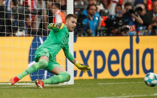 Kép phụ Adrian tỏa sáng, Liverpool đoạt Siêu cúp châu Âu - Ảnh 2.