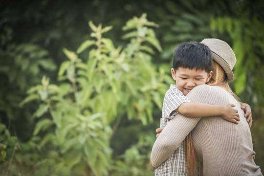 Vì cô độc quá nên thèm làm mẹ đơn thân - Ảnh 2.