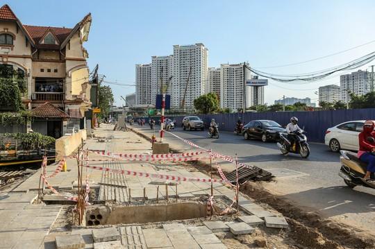 """Những """"chiếc bẫy"""" chết người rình rập trên đường Phạm Văn Đồng - Ảnh 15."""