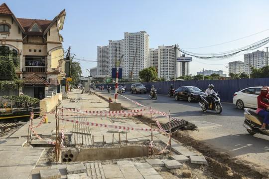 """Những """"chiếc bẫy"""" chết người rình rập trên đường Phạm Văn Đồng - Ảnh 9."""