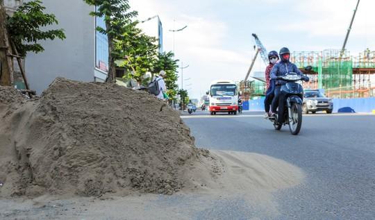 """Những """"chiếc bẫy"""" chết người rình rập trên đường Phạm Văn Đồng - Ảnh 17."""
