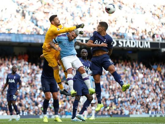 VAR cứu Tottenham, Man City ôm hận đại chiến - Ảnh 6.