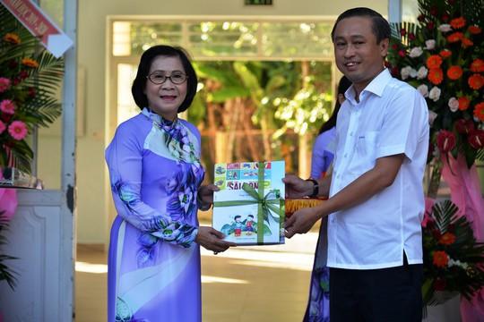 Hơn 3 tỉ đồng ủng hộ Trung tâm nuôi dạy trẻ khuyết tật Võ Hồng Sơn - Ảnh 2.