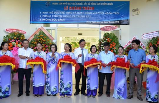 Hơn 3 tỉ đồng ủng hộ Trung tâm nuôi dạy trẻ khuyết tật Võ Hồng Sơn - Ảnh 1.