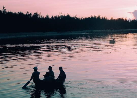 Về Phú Quý hát bài ca tôm cá - Ảnh 18.