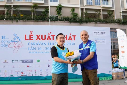 Đoàn Caravan Thư viện 2030 xuất phát tặng thư viện cho học sinh nghèo tại Ninh Thuận - Ảnh 1.