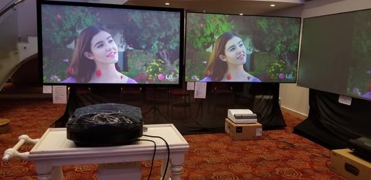 Màn chiếu Hàn Quốc Exzen được phân phối chính thức tại Việt Nam - Ảnh 1.