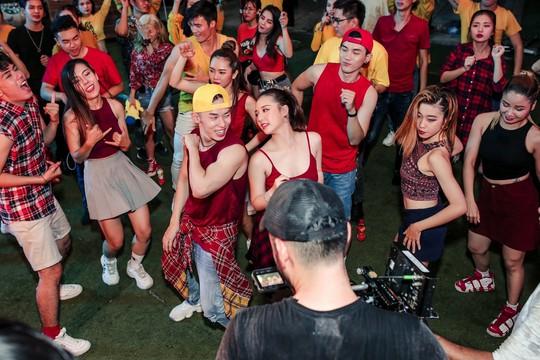 Những khoảnh khắc ấn tượng trong hành trình xuyên Việt của Lễ hội Phố Hàng Nóng - Ảnh 2.