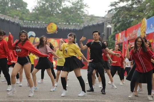 Những khoảnh khắc ấn tượng trong hành trình xuyên Việt của Lễ hội Phố Hàng Nóng - Ảnh 4.