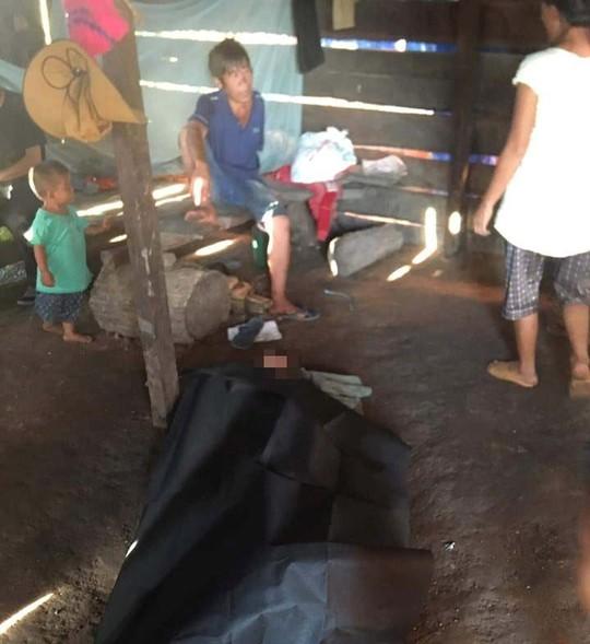 Hai cháu nhỏ rơi xuống mương nước tử vong - Ảnh 2.