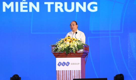 TS Trần Du Lịch: Miền Trung chậm thủ tục đầu tư một ngày là nghèo thêm một năm - Ảnh 2.