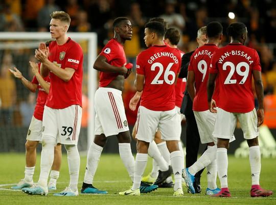 Paul Pogba đóng vai tội đồ, Man United mất thắng ở hang sói - Ảnh 10.