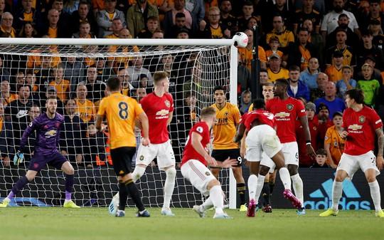 Paul Pogba đóng vai tội đồ, Man United mất thắng ở hang sói - Ảnh 5.