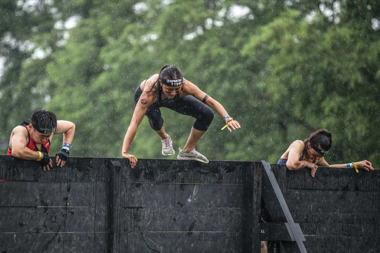 Spartan Race lần đầu đến Việt Nam, thử thách những người dũng cảm - Ảnh 11.