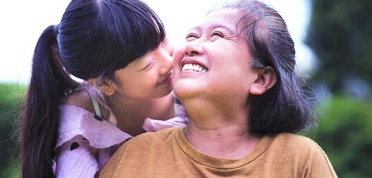 Thót tim khi mẹ yêu người có vợ - Ảnh 1.