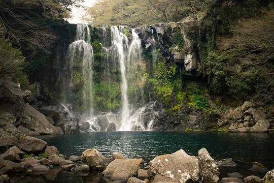 Thăm đảo Jeju, đừng quên chinh phục núi Hallasan hùng vĩ - Ảnh 3.