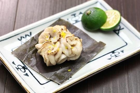8 món ăn khiến thực khách sởn gai ốc ở Nhật Bản - Ảnh 3.
