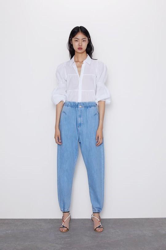9 mốt quần jeans rộ lên nửa cuối năm 2019 - Ảnh 2.