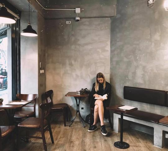 Lưu ngay những quán cà phê đặc sản đáng thử ở Hà Nội - Ảnh 13.