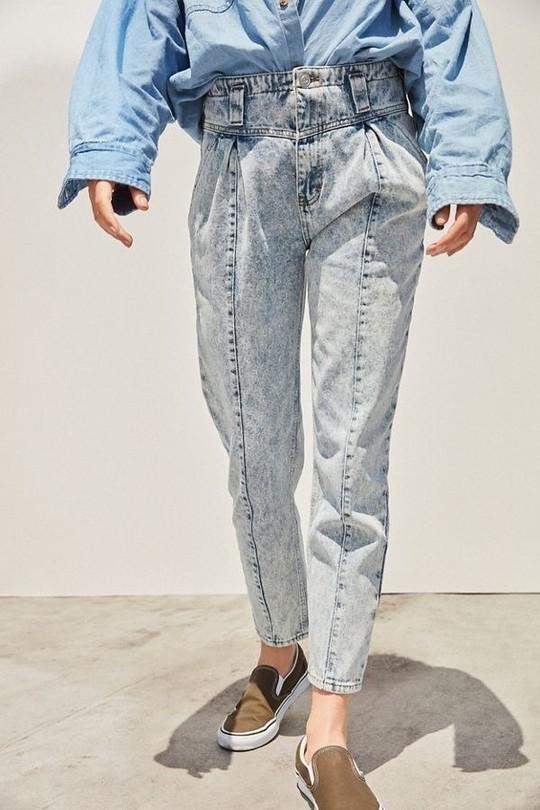 9 mốt quần jeans rộ lên nửa cuối năm 2019 - Ảnh 5.