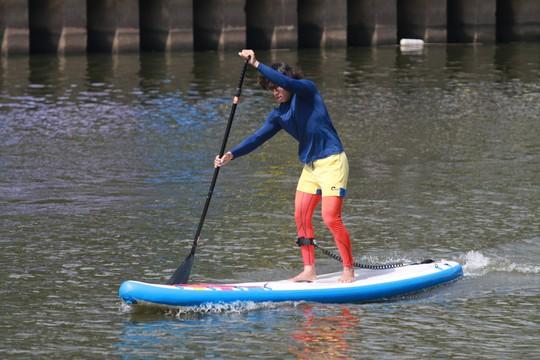 Tưng bừng đua thuyền rồng mừng Quốc khánh trên kênh Nhiêu Lộc - Ảnh 8.