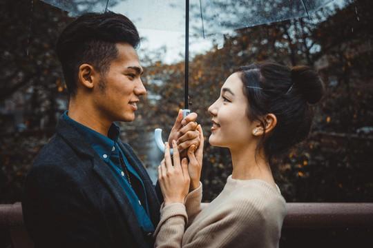 Giới trẻ Singapore có xu hướng thuê bạn gái để hẹn hò - Ảnh 1.