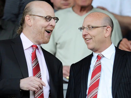 Những ông chủ tỷ phú của Ngoại hạng Anh - Ảnh 3.